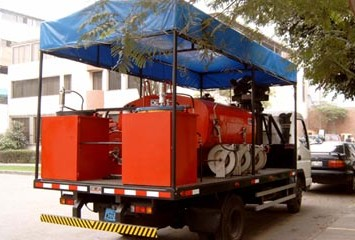 Multipurpose Truck For Dispensing Fuel And Lubricants In The Field