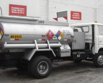 Camion Cisterna de Combustible 30 GPM