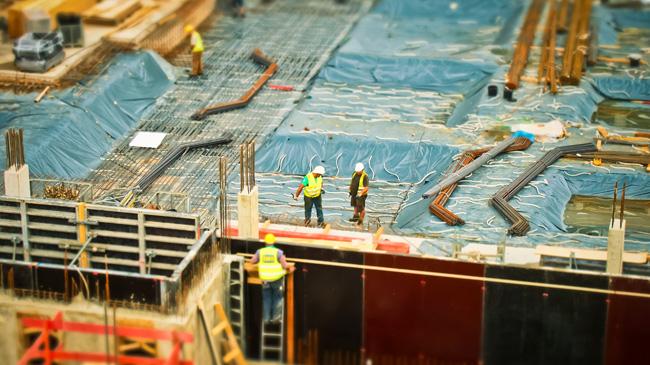 3-piezas-equipo-se-necesita-trabajando-continuamente-zonas-alejadas-mineria-construccion